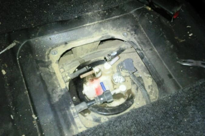 DIY - replace in-tank fuel filter | Pajero IO, Pinin, TR4